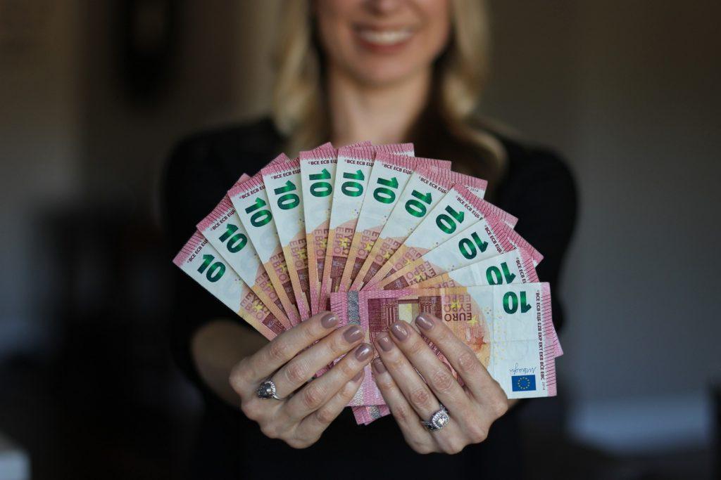 Geld verdienen - Jeder will mehr Einkommen